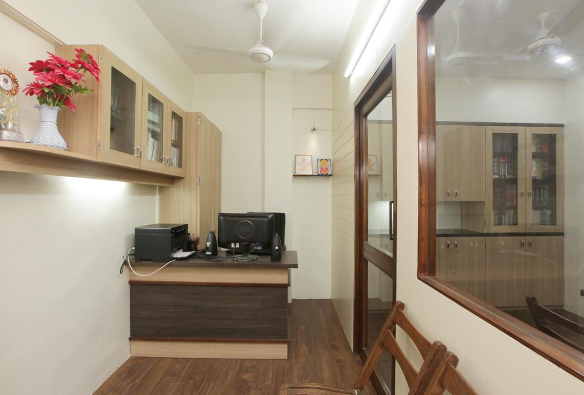 Amit-Laghate_Commercial-interior-design_Girish-Damle-office_01