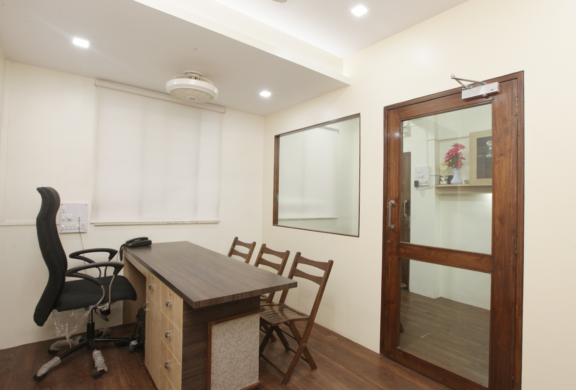 Amit-Laghate_Commercial-interior-design_Girish-Damle-office_02