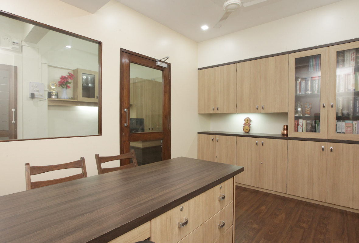 Amit-Laghate_Commercial-interior-design_Girish-Damle-office_03