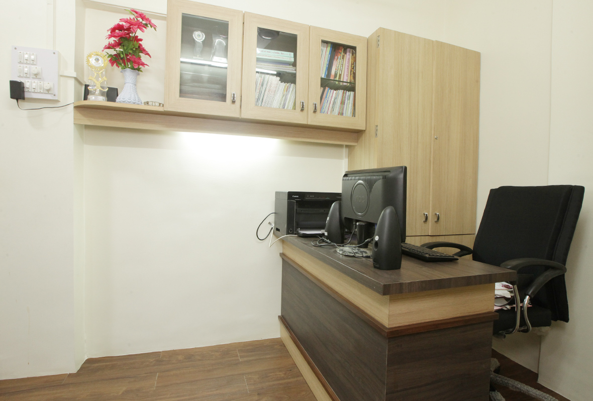 Amit-Laghate_Commercial-interior-design_Girish-Damle-office_04