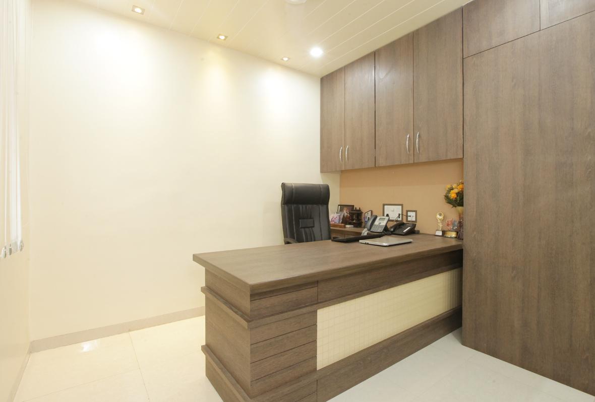Amit-Laghate_Commercial-interior-design_Milind-Phadke-Office_04
